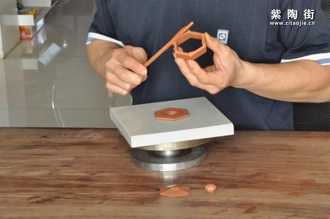 建水紫陶方壶为什么比圆壶更贵?插图4