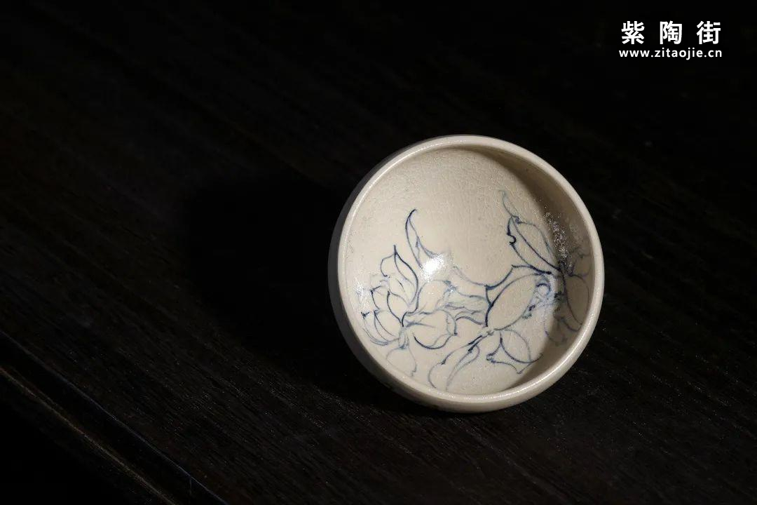 云南青花瓷的工艺与绘画研究及建水李俊青花瓷作品插图14