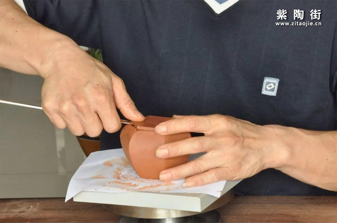 建水紫陶方壶为什么比圆壶更贵?插图3
