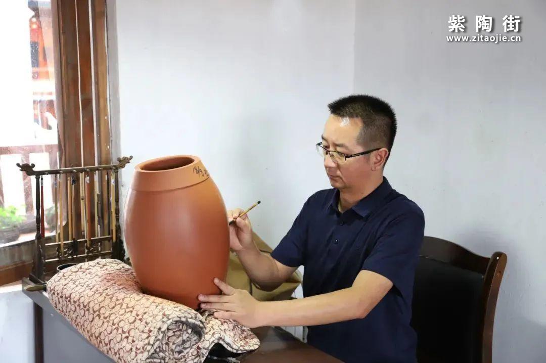 建水紫陶赖恒东作品赏析插图