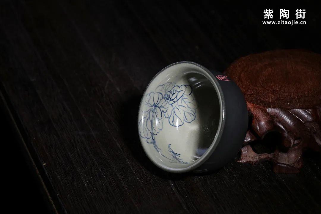云南青花瓷的工艺与绘画研究及建水李俊青花瓷作品插图8