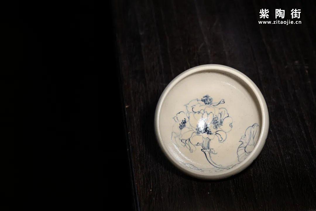 云南青花瓷的工艺与绘画研究及建水李俊青花瓷作品插图11
