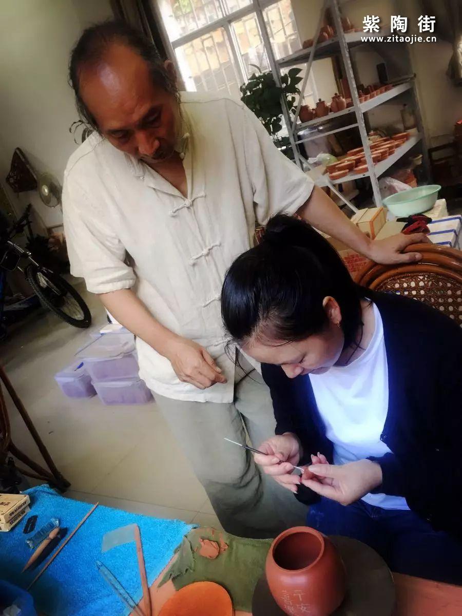 建水紫陶大师李映禄和他的妻子李艳插图7