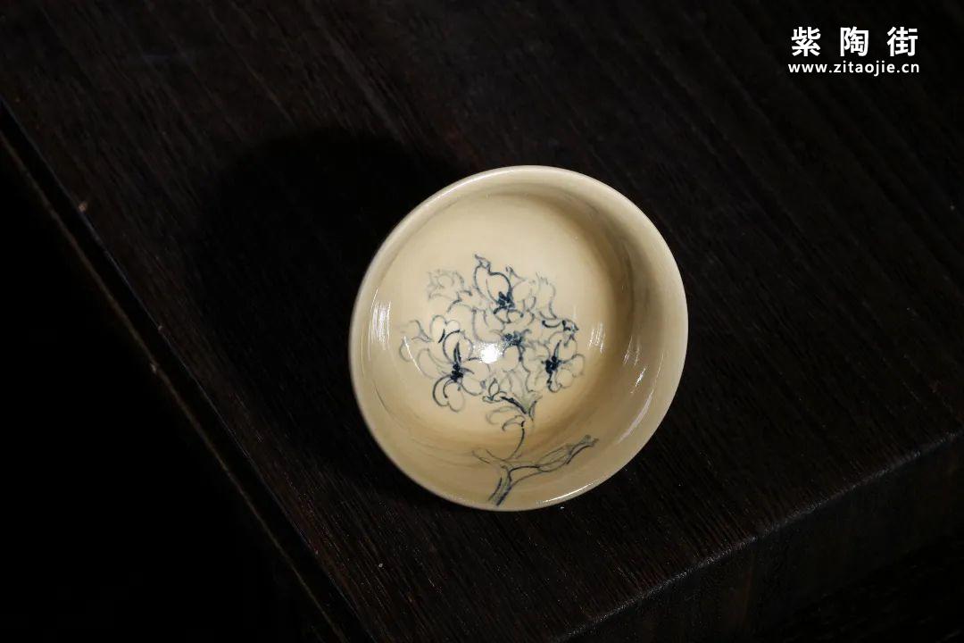 云南青花瓷的工艺与绘画研究及建水李俊青花瓷作品插图6