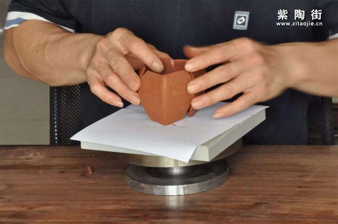 建水紫陶方壶为什么比圆壶更贵?插图2
