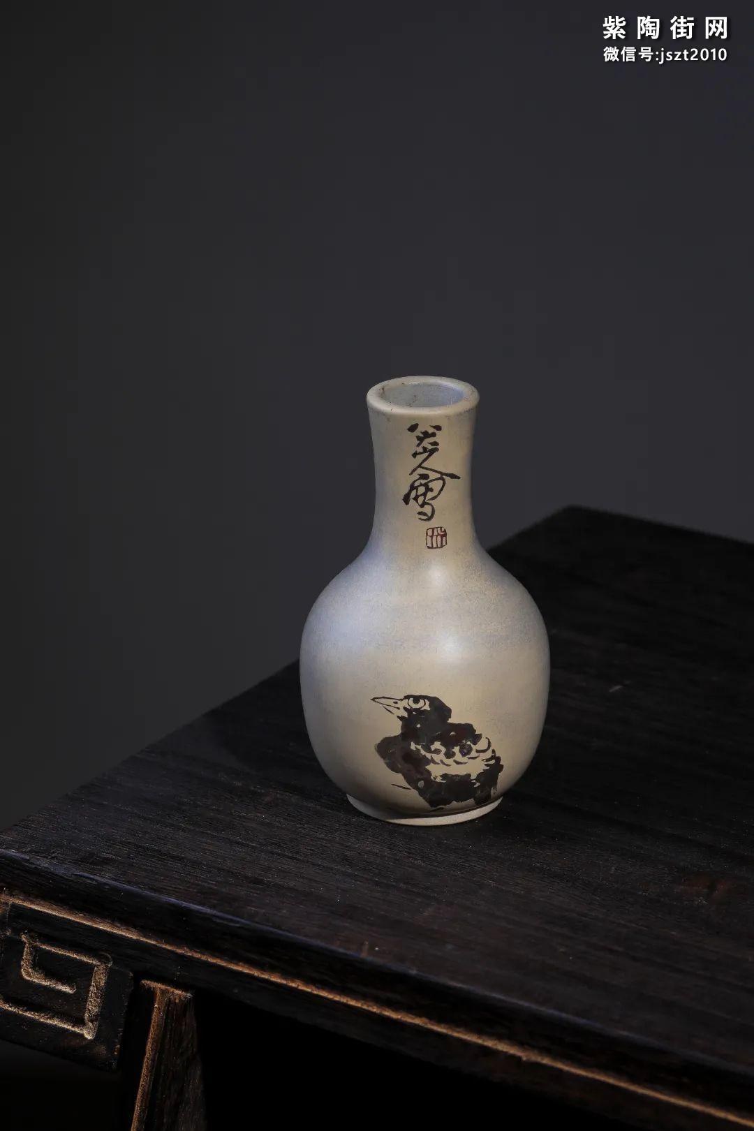 建水吴玉平简介及紫陶花瓶欣赏插图2