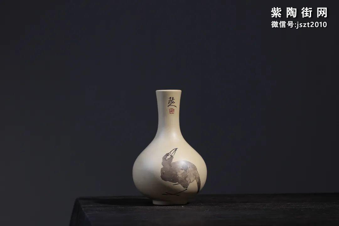 建水吴玉平简介及紫陶花瓶欣赏插图1