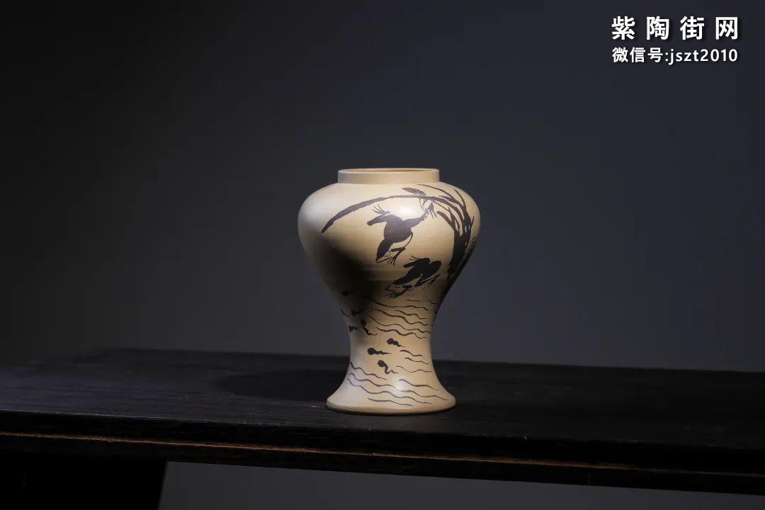 建水吴玉平简介及紫陶花瓶欣赏插图14