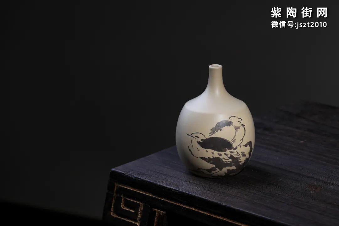 建水吴玉平简介及紫陶花瓶欣赏插图6